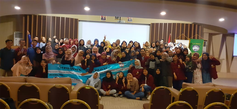 Seminar Peranan Tenaga Farmasi dalam Manajemen Mutu dan Manajemen Halal di Dunia Industri