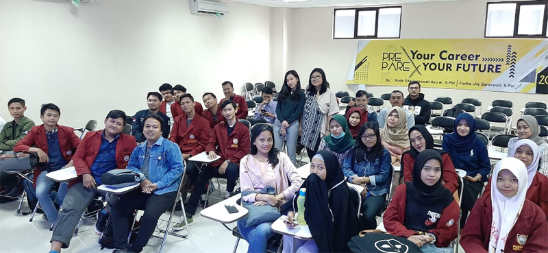 """Seminar """"Prepare your Career, Prepare your Future"""" dari PT. Karya Manunggal Jati (Surabaya)"""